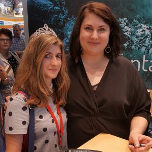 Signierstunde von Laura Kneidl auf der Frankfurter Buchmesse